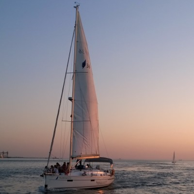 Sailing Cruise on tagus River