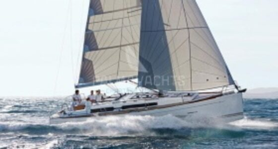 Dufour 405 for charter in Azores