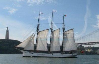 Vintage Sailing Yacht